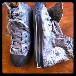 Hightop Converse silver brocade sneakers size W8